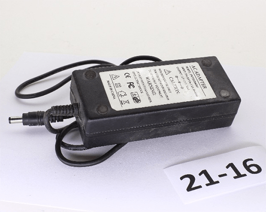 AC Adapter 12V 5A (не рабочий)